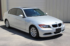 bmw 3 series (f30)(0.0), coupã©(0.0), convertible(0.0), sports car(0.0), automobile(1.0), automotive exterior(1.0), executive car(1.0), wheel(1.0), vehicle(1.0), automotive design(1.0), bmw 3 series gran turismo(1.0), bmw 320(1.0), rim(1.0), bmw 335(1.0), bumper(1.0), sedan(1.0), personal luxury car(1.0), land vehicle(1.0), luxury vehicle(1.0),