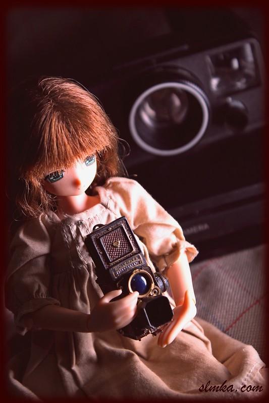 Mia & Vintage Camera