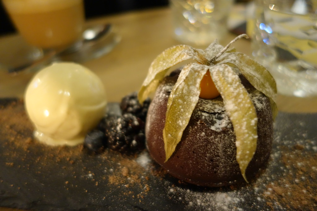 Forge & Co, Shoreditch: Chocolate Fondant and Ice Cream