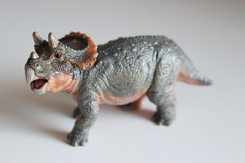 papo triceratops baby