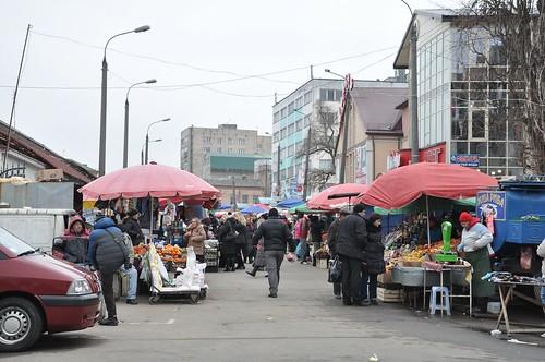 Вуличні базарники об'єднуються