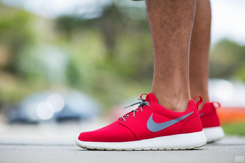 Nike Roshe Run Sport Red Cool Grey Sail