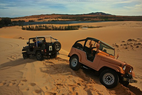 Jeep towing jeep