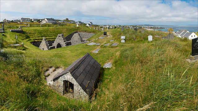 St. Caomhán's Church - Inis Oírr