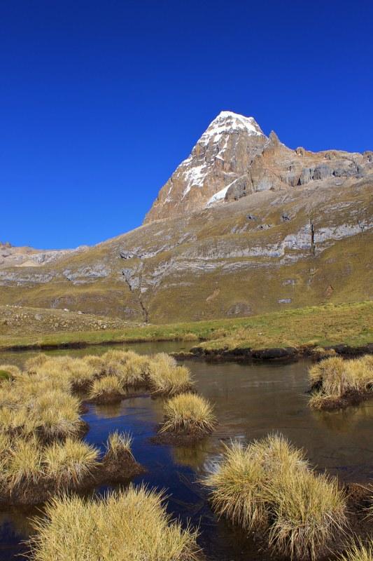 Nevado Trapecio on the walk to Portachuelo de Huayhuash