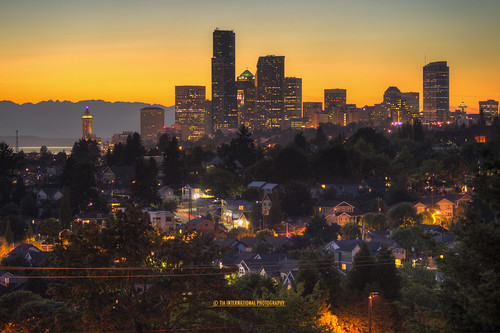 seattle county city autumn sunset urban house mountains west building tower fall home nature skyline skyscraper tia landscape evening coast washington downtown king cityscape natural pacific northwest dusk space hill union first atmosphere smith columbia september neighborhood needle sound olympic residence transition residential range puget municipal tosin arasi synchrony tiascapes ©tiainternationalphotography