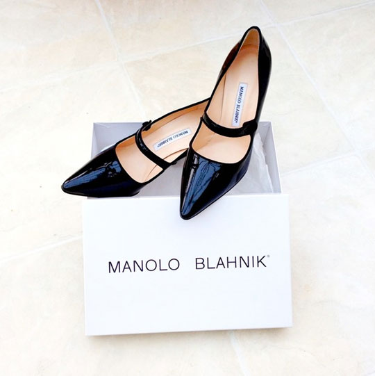 454cf32e2221d The much anticipated Manolo Blahnik sample sale is upon us. Yay! I know  many of you have been waiting to hear information regarding this shoetastic  sale, ...