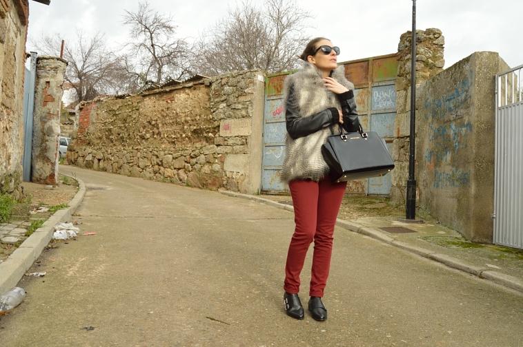 lara-vazquez-madlula-wine-jeans-faux-fur-vest-selma-bag
