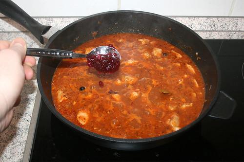 51 - Preiselbeergelee hinzu geben / Add cranberry jelly