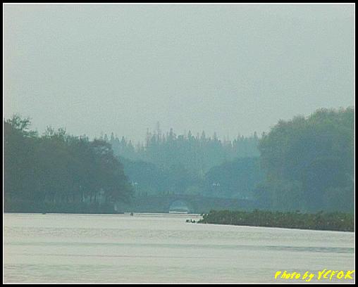 杭州 西湖 (其他景點) - 111 (從北山路湖畔的斷橋看白堤結束點 世冷橋)