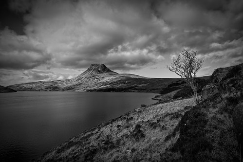 mountain water canon scotland highlands loch sutherland westcoast lightroom stacpolliadh 5d2