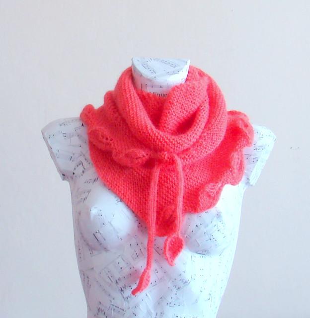 Hand knitted leaf baktus scarf