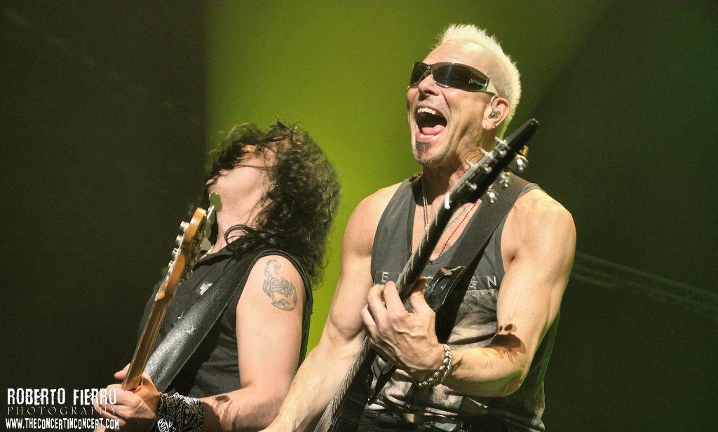 13010718163 8ab4c8f8d6 b Scorpions + H.E.A.T – 7 de Marzo14 – Palacio Vistalegre – (Madrid)