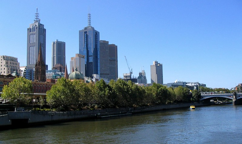 Melbourne city skyline from the river (March 2004)