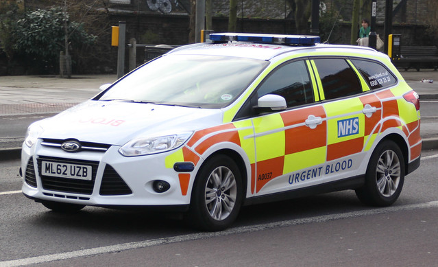 NHS Urgent Blood Service - Ford Focus Estate Urgent Blood Response Vehicle ( ML62 UZB )