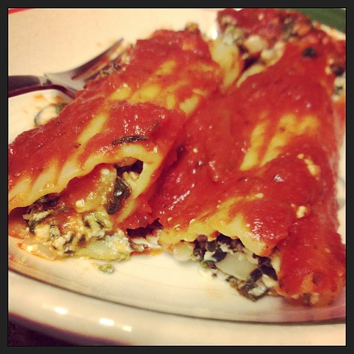 Special dinner for The Walking Dead: #vegan manicotti. (Recipe from @vegangela_food.)