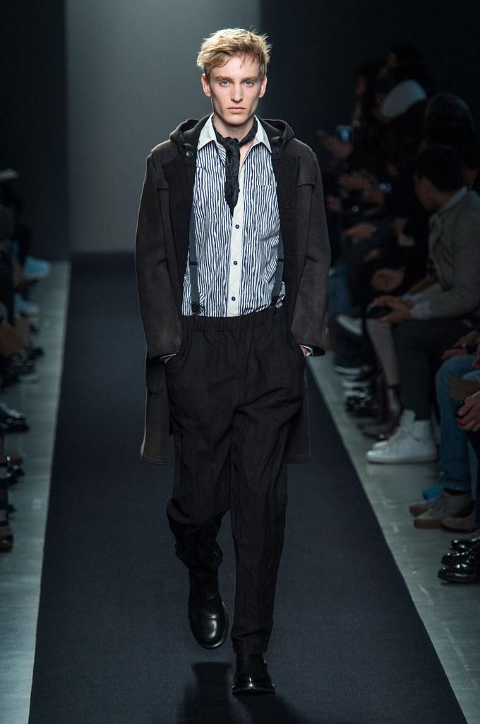 Jeroen Smits3180_FW15 Milan Bottega Veneta(fashionising.com)