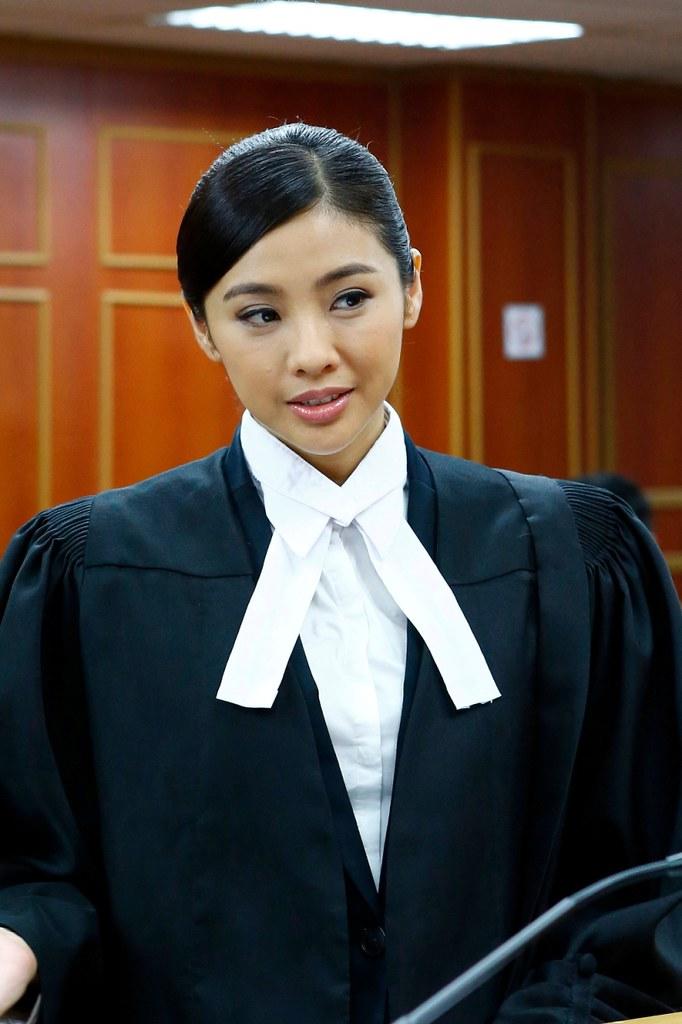Wayne Chua as Fang Lu Jia