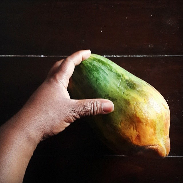 #Pawpaw - showing off its #foodgradients as an #ombrefood  #vscocam #vscogram #vscolife #vscodaily #vscocollections #justgoshoot #vscofood #instafood #instagood #foodagram #foodstagram #fresh #healthy #tropical #Nigerianfruits