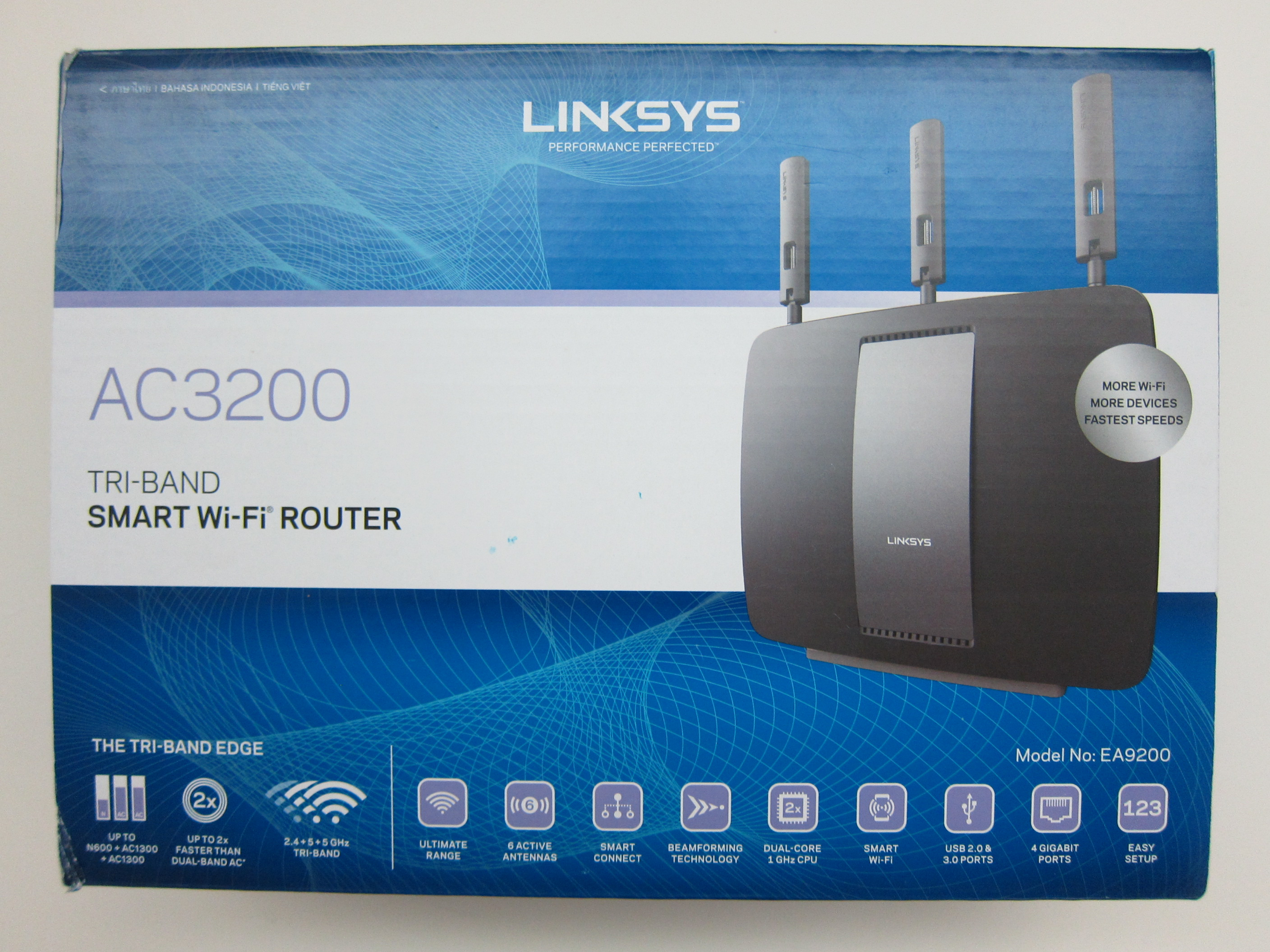 Linksys ea9200 wireless ac3200 tri band smart wi fi router review linksys ea9200 box front greentooth Gallery