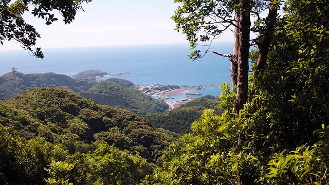 熊野古道大辺路、長井坂、見老津を望む