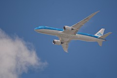 KL868 KLM Boeing 787 Dreamliner (PH-BHD) at FL41 from Osaka to Schiphol Amsterdam