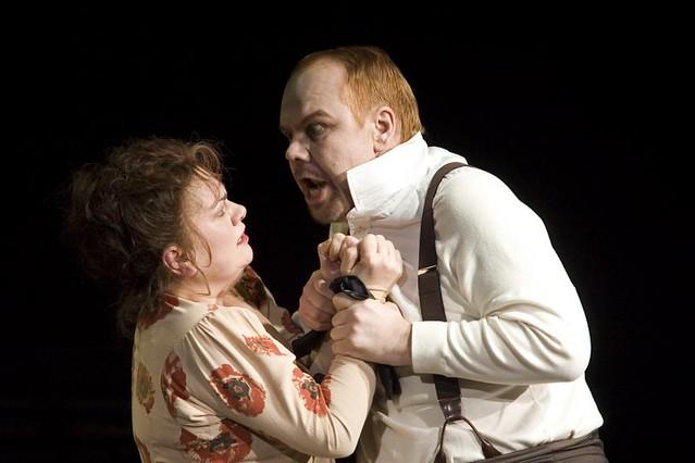 Susan Bullock as Marie and Jorma Silvasti as Drum Major © ROH / Bill Cooper 2006