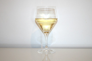 08 - Zutat trockener Weißwein / Ingredient drie white whine