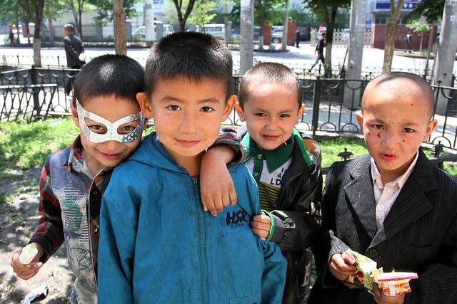 Boys in Urumqi ウルムチの少年たち