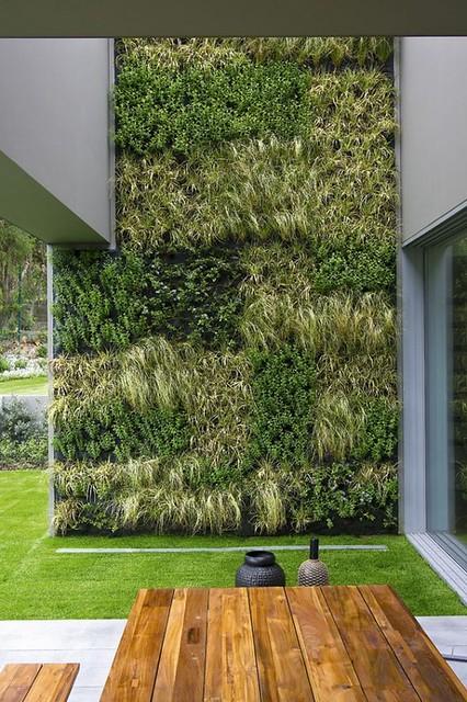 Exterior-Residential-vertical-garden-table-top-wall-600x900