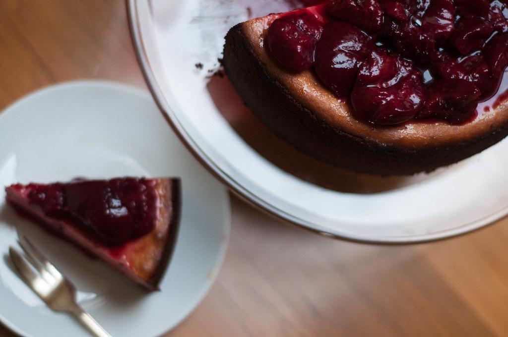plum cheesecake
