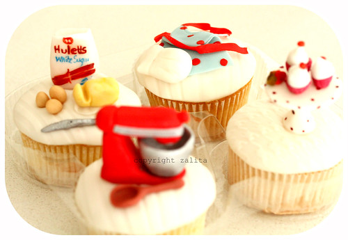 hullets sugar cupcakes by {zalita}
