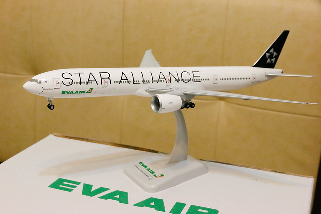 長榮 EVA Air Star Alliance Livery 777-300ER 模型開箱  全機