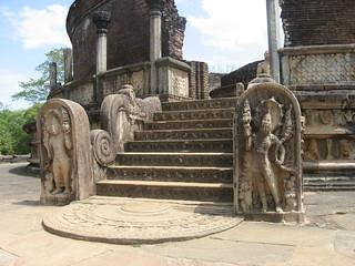 Watadageya- Polonnaruwa