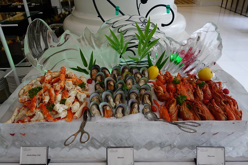 Chilled Seafood on the line at The Art of Sundays Champagne Brunch at InterContinental Singapore