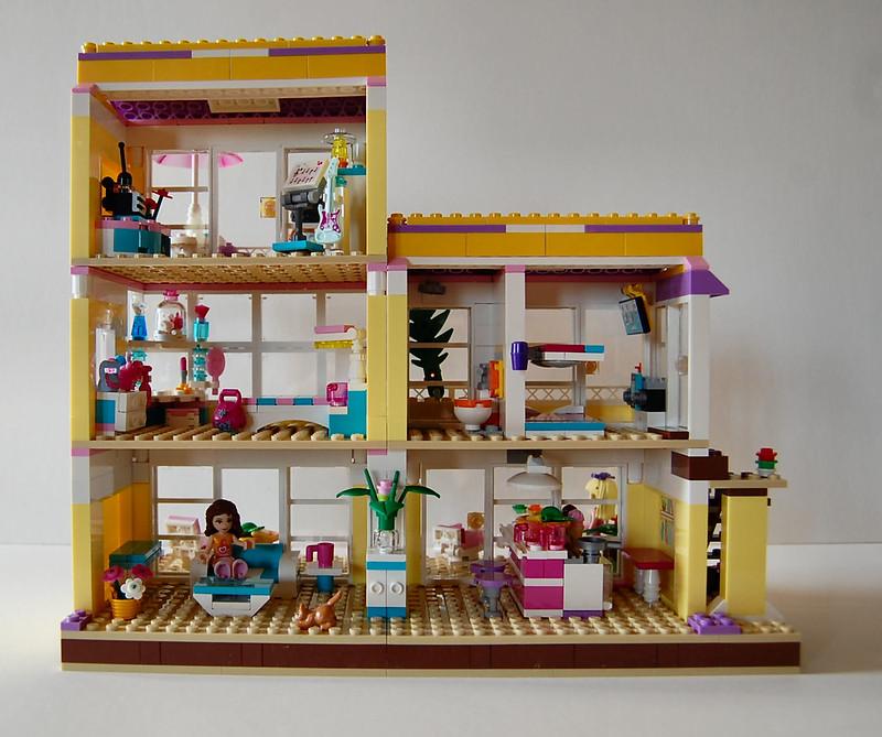 Friends Bricks Expanded Beach House