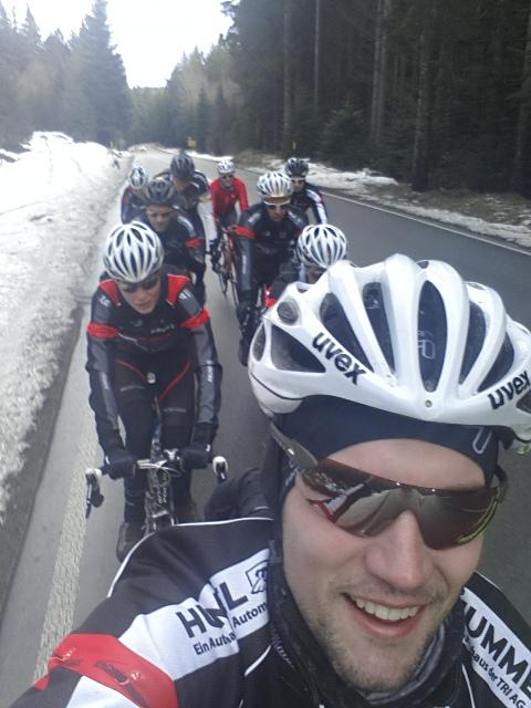 Auch dem Schnee im Schwarzwald und auf der Alb trotzten die RACING STUDENTS Teams mit Spass und Trainingseifer_Foto Team