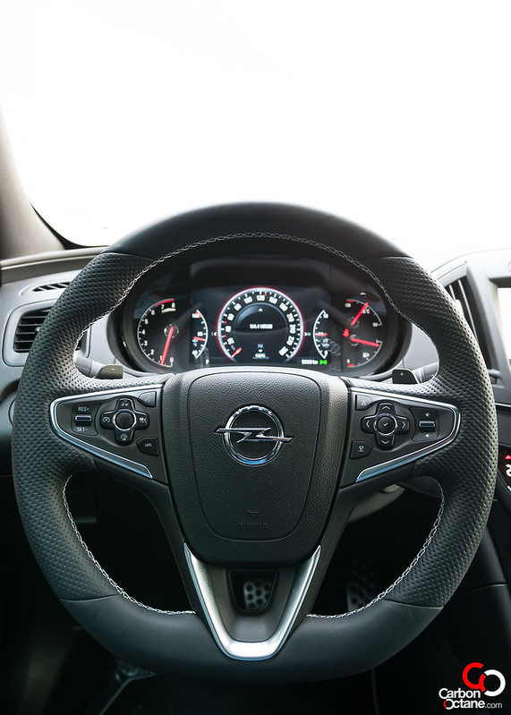 opel_insignia-steeringwheel