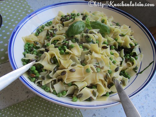 Peas with Pasta, Basil and Pumpkin Seeds (2)