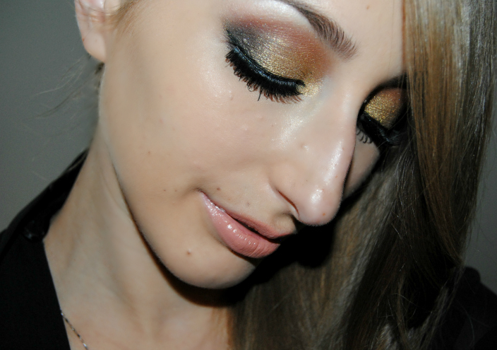 Gold Makeup (7)