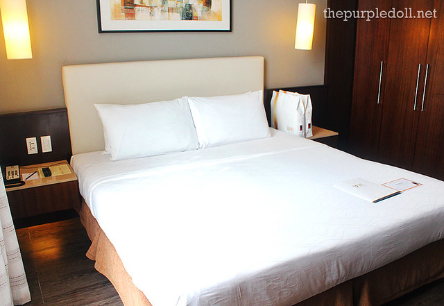 B Hotel Alabang Penthouse Suite King-Sized Bed