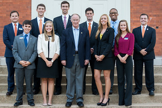 Students pose with Gov. Robert Bentley