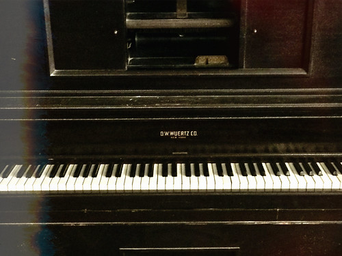 Straight Thriftin. 🎹 #thrift #shop #salvationarmy #antique #piano #lightleaks