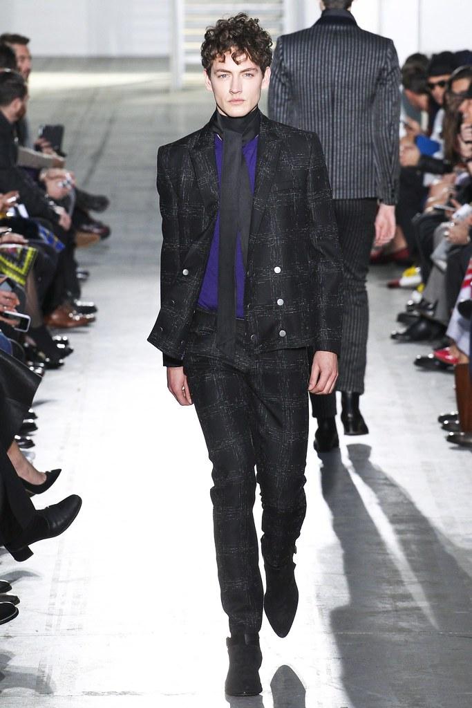 Jakob Hybholt4151_FW15 Milan Costume National(VOGUE)