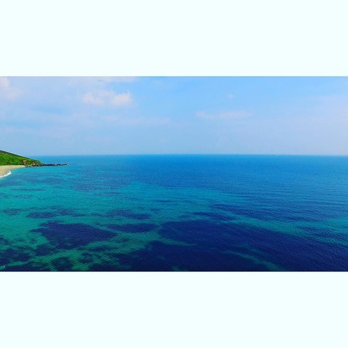 What a beautiful Sunday it was today.... @djiglobal #dji #phantom3 #djiphantom3 #drone #fly #height #view #beautiful #sunday #vscocam #photographer #southcoast #travel #adventure #fromabove #sunshine #reef #bluesky #ocean #landscape_lovers #landscape #cor