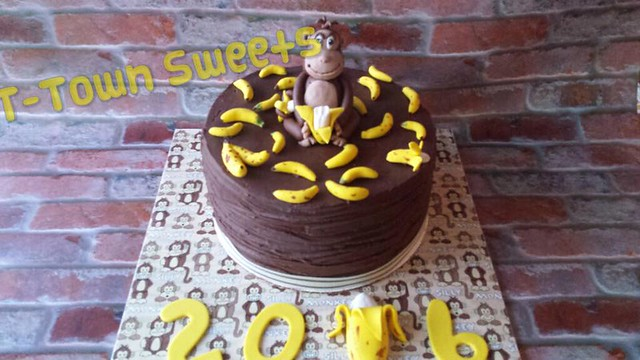 Monkey Themed Cake by Susan Bohannon of T-Town Sweets
