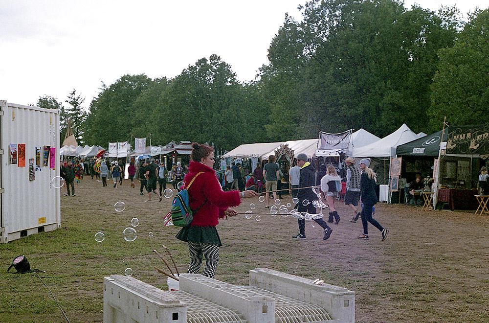 What-The-Festival_Bubbles