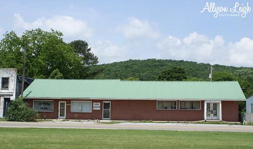 Woodville's Ole Depot