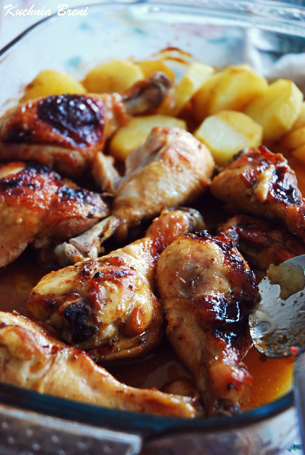 Pałeczki z kurczaka w miodowo-musztardowej zaprawie