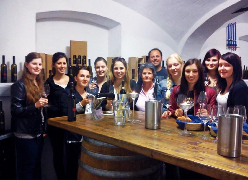 4B bei Weinverkostung
